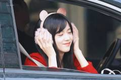 Blackpink-Jisoo-car-photos-inkigayo-17