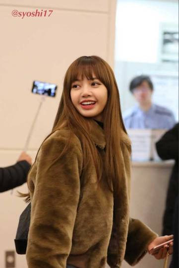 Blackpink Lisa Haneda Airport Japan