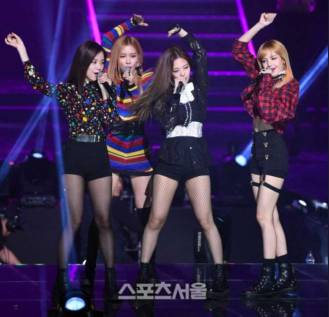 Welcome 2018, Lets Highlight All Blackpink Achievements in 2017