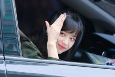 Blackpink-Jisoo-Car-Photos-Inkigayo-7-January-2018-37