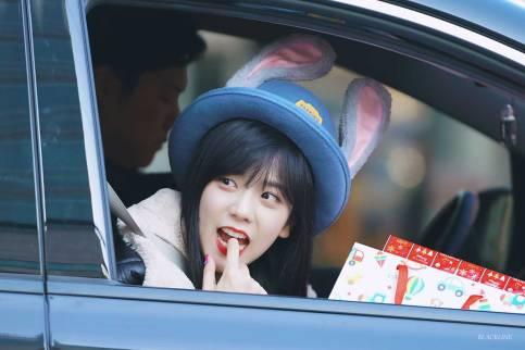 Blackpink-Jisoo-Car-Photos-Inkigayo