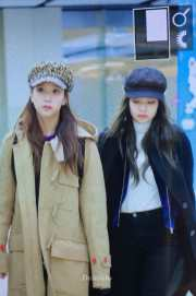 Blackpink Jisoo Jennie Winter Airport Style From Jeju Island
