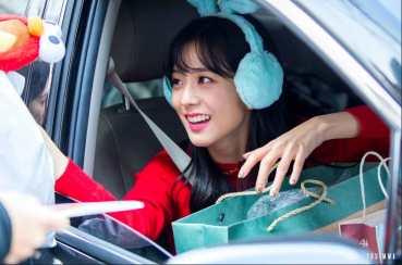 Blackpink-Jisoo-Leaving-Inkigayo-2018-13