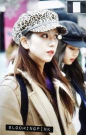 Blackpink Jisoo Winter Airport Style From Jeju Island