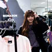 Blackpink Lisa Nonagon Fansign Event 2018