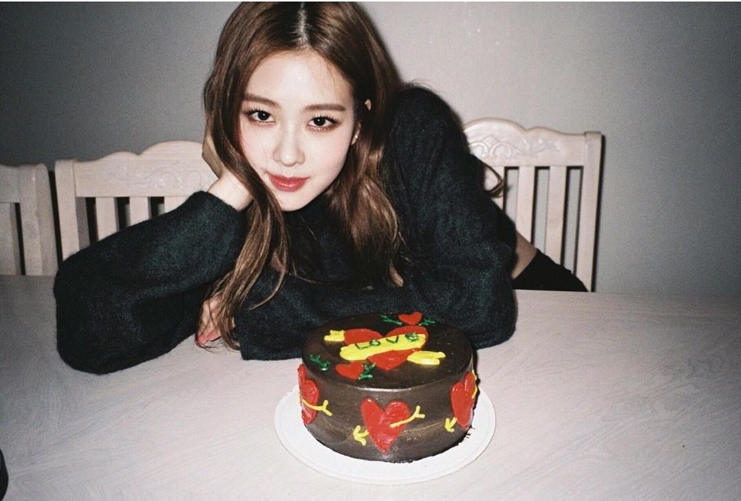 Blackpink Rose Birthday Cake Instagram 2018