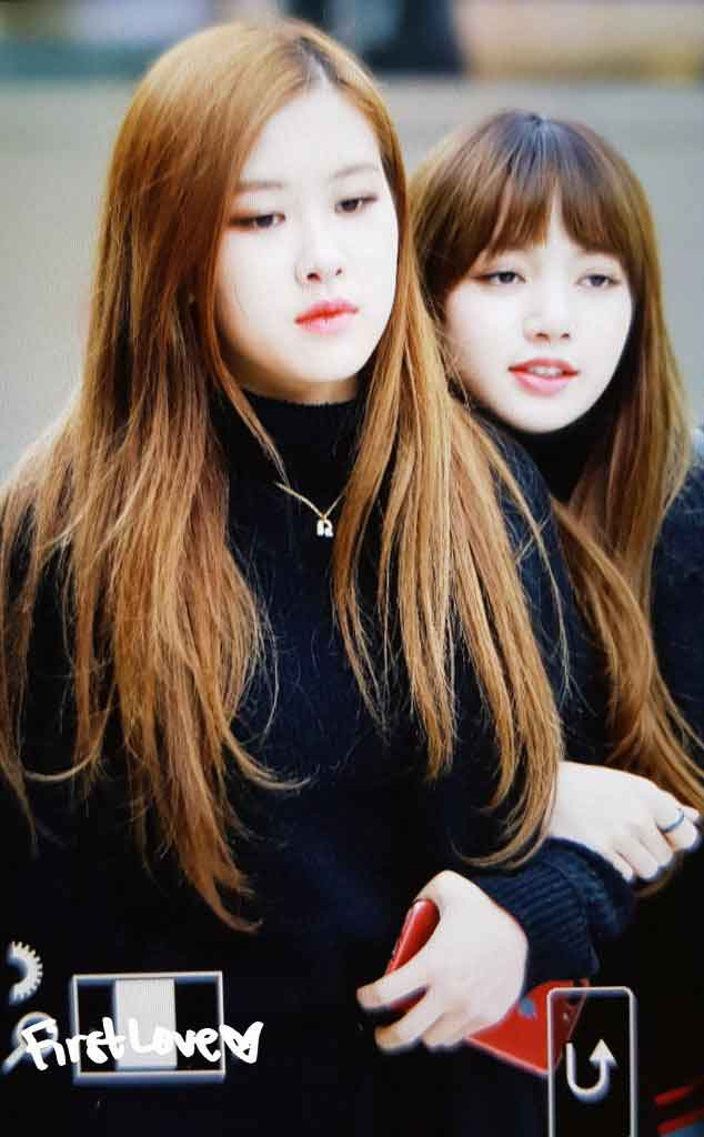 Blackpink Rose Lisa Winter Airport Style From Jeju Island