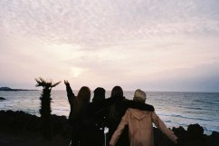 Blackpink-House-Jeju-Island-beach