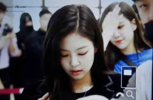 Blackpink-Jennie-Airport-Fashion-27-March-to-Japan-19