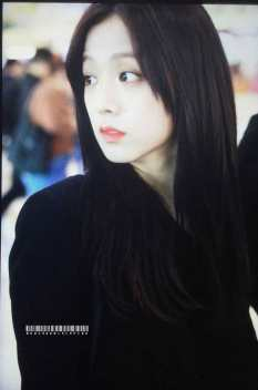 Blackpink-Jisoo-Airport-Fashion-27-March-to-Japan-25