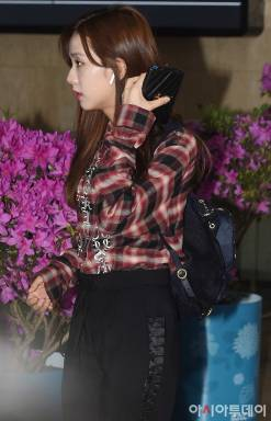 Blackpink Jisoo airport fashion March 12, 2018