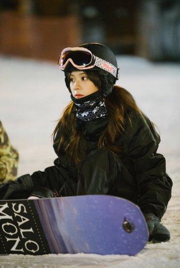 Blackpink Jisoo snowboard 2018