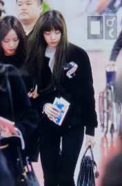 Blackpink Lisa Airport Fashion Jeju 26 March 2018
