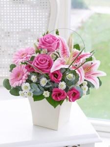 Blackpink Lisa Loves Pink Rose flower