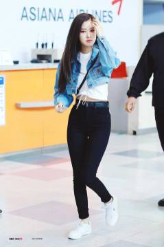 Blackpink Rose Airport fashion 25 March 2018 Jeju Island