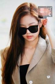 Blackpink-Jennie-Airport-Fashion-20-April-2018-photo-23