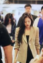 Blackpink-Jennie-Airport-Fashion-20-April-2018-photo-35