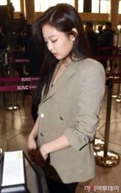 Blackpink-Jennie-Airport-Fashion-20-April-2018-photo-41