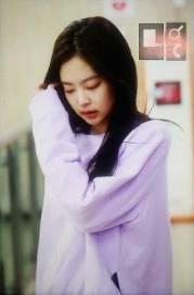 Blackpink-Jennie-Airport-Fashion-22-April-2018-photo-30
