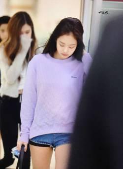 Blackpink-Jennie-Airport-Fashion-22-April-2018-photo-6