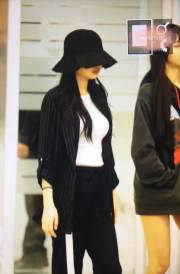 Blackpink-Jennie-Airport-Fashion-Incheon-5-april-2018-from-Thailand-9