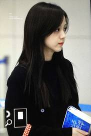Blackpink-Jisoo-Airport-Fashion-Incheon-5-april-2018-from-Thailand