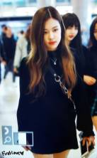 Blackpink-Rose-Airport-Fashion-20-April-2018-photo-30