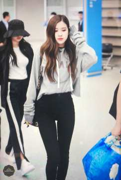 Blackpink-Rose-Airport-Fashion-Incheon-5-april-2018-from-Thailand