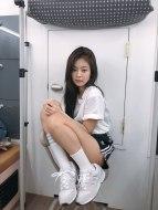 Blackpink-Jennie-Adidas-Instagram-Photo