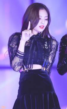 blackpink-jennie-performance-photo-6