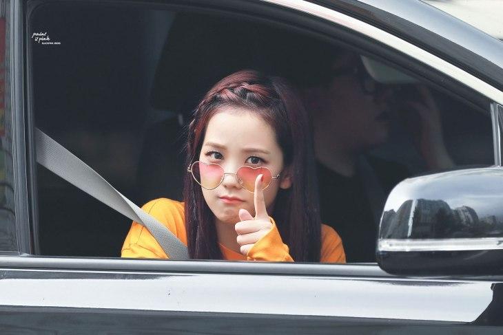 blackpink-jisoo-car-photos-inkigayo-217