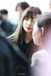 Blackpink-Lisa-Airport-Fashion-20-April-2018-HQ-12