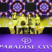 Blackpink-Paradise-City-10