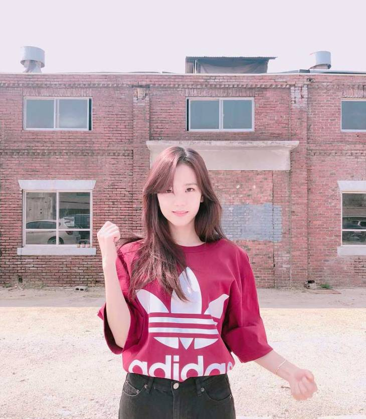 BLACKPINK JISOO ADIDAS INSTAGRAM PHOTO 2018