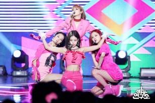 BLACKPINK MBC Music Core 23 June 2018 photo HQ 2