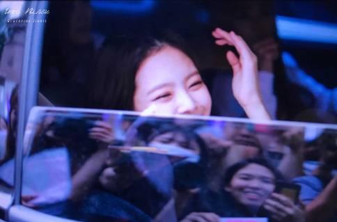BLACKPINK-Jennie-Car-Photos-Leaving-Inkigayo-17-June-2018-photo-7