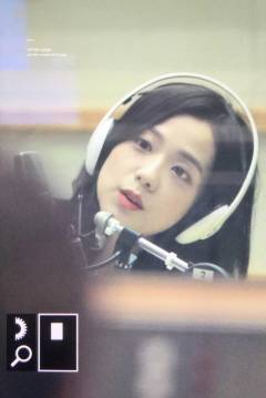 BLACKPINK-Jisoo-KBS-Cool-FM-Volume-Up-Photo-20