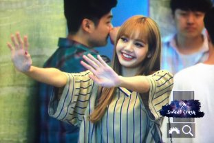 BLACKPINK Lisa KBS Cool FM Volume Up Photo 30