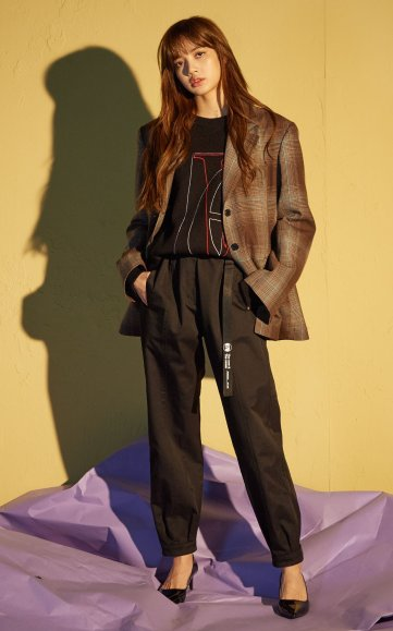 BLACKPINK Lisa NONAGON - FW 2018 MODXXXXXX lookbook photo 12