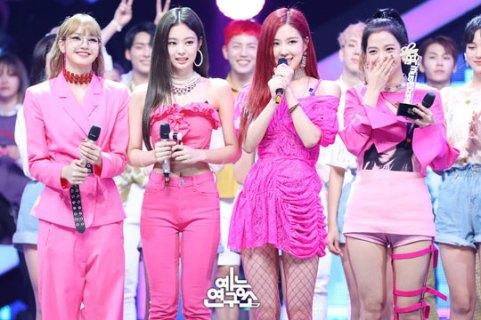cover-BLACKPINK-MBC-Music-Core-23-June-2018-photo-HQ-4