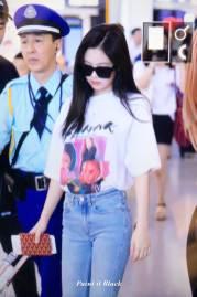 BLACKPINK-Jennie-Airport-Photo-26-July-2018-Kansai-Osaka-8