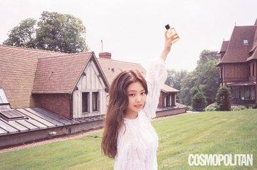 BLACKPINK-Jennie-Cosmopolitan-Korea-July-2018-issue-chanel-3