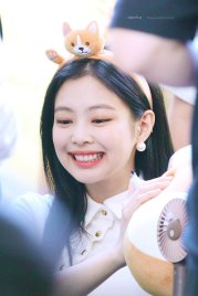 BLACKPINK-Jennie-Fansign-event-Yeouido-July-8,-2018-IFC-Atrium-4