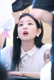 BLACKPINK-Jennie-Fansign-event-Yeouido-July-8,-2018-IFC-Atrium-5