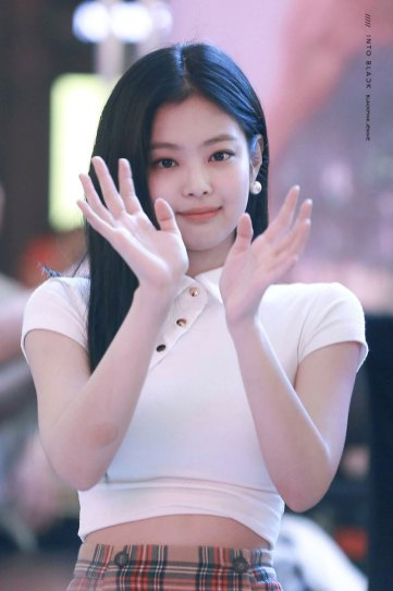 BLACKPINK-Jennie-Fansign-event-Yeouido-July-8,-2018-IFC-Atrium-7