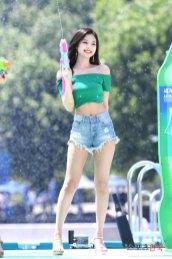 BLACKPINK-Jennie-Sprite-Waterbomb-Festival-Seoul-28