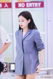 BLACKPINK-Jennie-airport-fashion-4-july-2018-photo-2