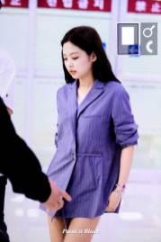 BLACKPINK-Jennie-airport-fashion-4-july-2018-photo-5