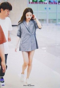 BLACKPINK-Jennie-airport-fashion-4-july-2018-photo
