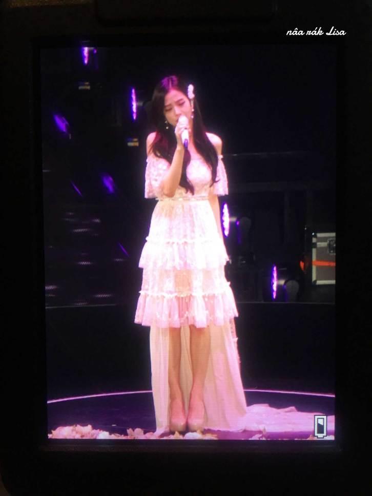 BLACKPINK-Jisoo-Japan-Arena-Tour-Day-1-Osaka-7